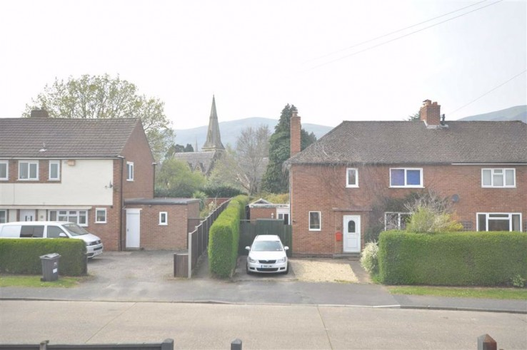 Cotswold Road - Worcestershire - Denny & Salmond