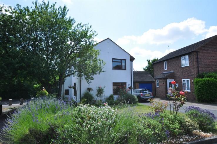 Gainsborough Close, Welland - Worcestershire - Denny & Salmond