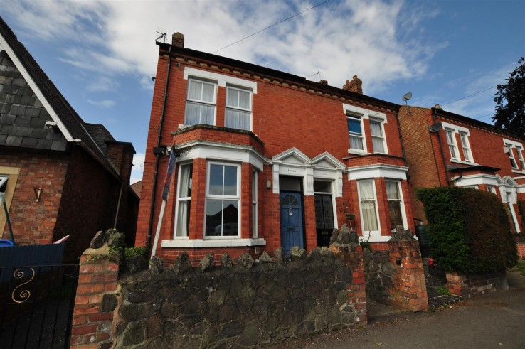 Flat 2, 53a Howsell Road -  - Denny & Salmond