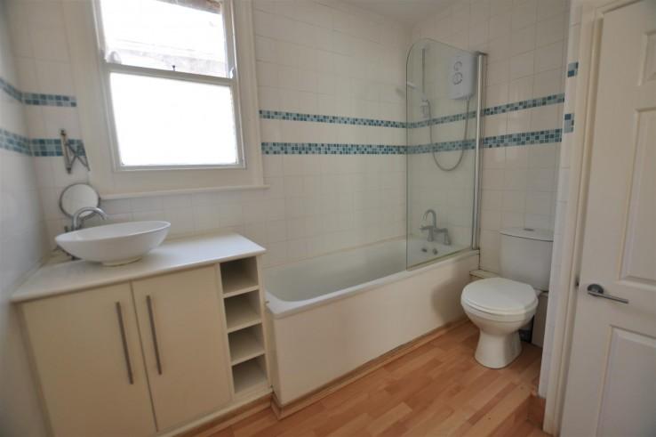 Flat 1B,42 Belle Vue TerraceGreat MalvernWorcestershire - Worcestershire - Denny & Salmond