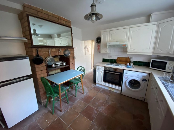 1b Glenview Cottage, Jubilee Drive, - Worcestershire - Denny & Salmond