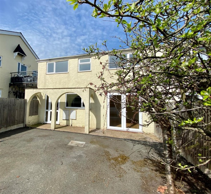 Lower Howsell Road, Malvern - Worcestershire - Denny & Salmond