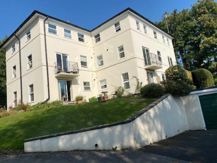 86 Graham Road, Malvern - Worcestershire - Denny & Salmond