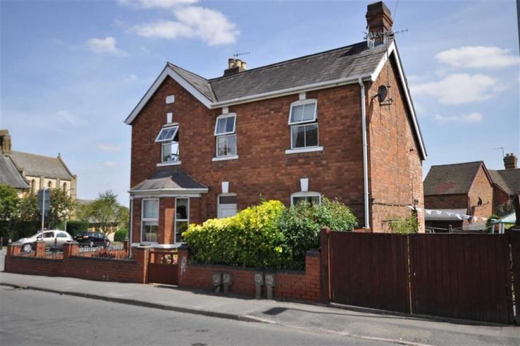 Newtown Road - Worcestershire - Denny & Salmond